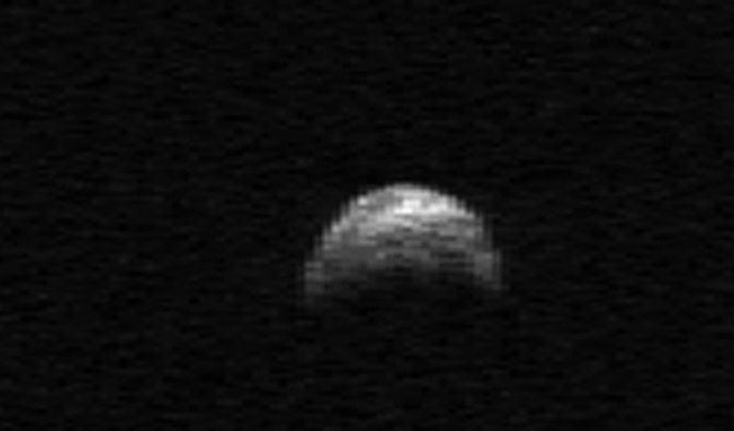 400-Meter-Asteroid rast an der Erde vorbei (Foto)
