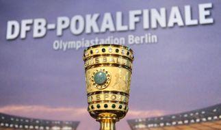 2. Pokalrunde: Schalke 04 beim Karlsruher SC (Foto)