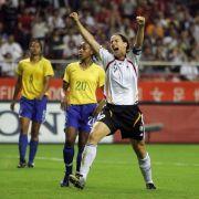 Auch jubeln will gelernt sein: Birgit Prinz im WM-Finale 2007 nach ihrem Tor zum 1:0.