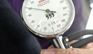 Broschüre über Risiken und Behandlung von Bluthochdruck (Foto)
