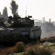 Israelische Panzer auf dem Weg zum Gazastreifen.
