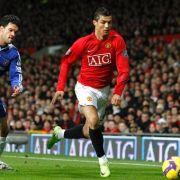 Wenn Christiano Ronaldo (r.) antritt, wird Michael Ballack zum Zuschauer degradiert.