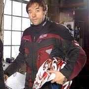 Jan Josef Liefers ist ein leidenschaftlicher Biker. Im vergangenen Jahr wollte er eine Motorradtour durch Südamerika unternehmen, doch er musste wegen eines Unfalls vorzeitig abbrechen.
