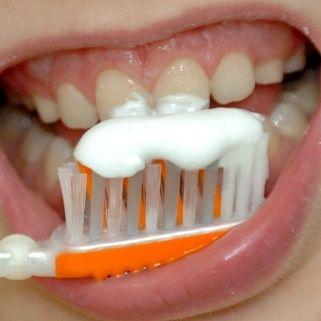 Gefährlicher Mief aus dem Mund! Das hilft gegen Mundgeruch (Foto)