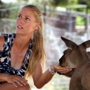 Tierisch: Auch neben dem Tennisplatz macht Dementieva eine gute Figur.