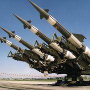 In Russland wurde ab 1961 das radarbasierte Flugabwehsystem S-125 Newa entwickelt.