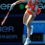 Lady in Red: Russlands Elena Dementieva beim Aufschlag.