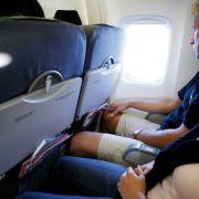 Tod kommt beim Sitzen! Geschwollenen Füßen auf Flugreisen vorbeugen (Foto)