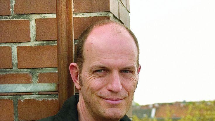 Kinderbuchautor Andreas Steinhöfel hat sich zum Schreiben aufs Land zurückgezogen. (Foto)