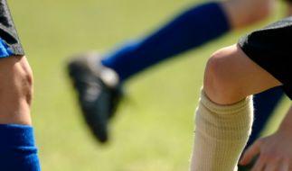Auch Fußballspieler sind vor einer Knochenhautenzündung nicht gefeit. (Foto)