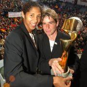 2003 holt die deutsche Frauen-Nationalmannschaft den Weltmeistertitel nach Hause.