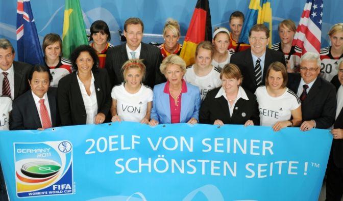 20Elf von seiner schönsten Seite lautet das Motto der Frauen-WM 2011 in Deutschland.