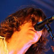 Viel neues zum Beginn:Alex Turner von den Arctic Monkeys.