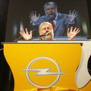 Der rheinland-pfälzische Ministerpräsident Kurt Beck (SPD) kann es schon nicht mehr mit ansehen.