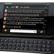 Einfach unterwegs Chatten - auf Wunsch auch mit mehreren Leuten in einer Gruppe. Nokia legt dem Nutzer hier keine Steine in den Weg.