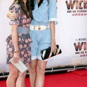 Die Schauspielerinnen Nora Tschirner und Hannah Herzsprung