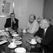 Felipe Gonzalez und Oskar Lafontaine am 6. Februar 1999 in Madrid.