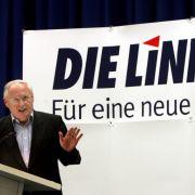 Der designierte Spitzenkandidat der Linkspartei in NRW, Oskar Lafontaine, spricht am 30. Juli 2005 bei der Landesmitgliederversammlung der nordrhein-westfälischen PDS in Essen.