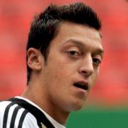 Es muss ja nicht immer Brasilien sein. Auch die Türkei hat den Ruf, besonders kreative Spieler hervorzubringen. Mesut Özil bestätigt das mit seinen Leistungen. Der 20-Jährige hätte auch für die Türkei spielen können, entschied sich aber für Deutschland. E