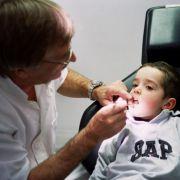 Sind die Milchzähne gesund, gehen Kinder auch gerne und ohne Angst zum Zahnarzt.