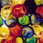 Für den Mann gibt es neben dem Kondom nur wenige Methode sich um die Verhütung in die eigene Hand zu nehmen. Die Pille für den Mann lässt dagegen noch auf sich warten.