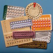 Die Anti-Baby-Pille gilt als die sicherste Verhütungsmethode. Es gibt sie in verschiedenen Varianten und Dosierungen.