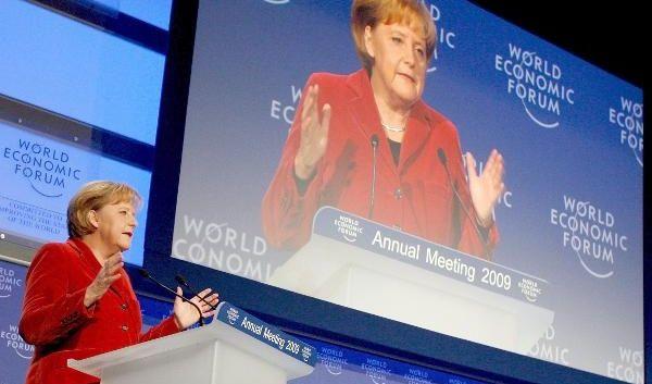 Angela Merkel, die Weltpolitikerin. Im schweizerischen Davos spricht sie im Januar 2009 beim Weltwirtschaftsforum.