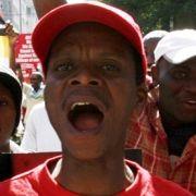 Demonstranten bekundeten bei einer landesweiten Demonstration in Johannesburg ihre Solidarität zu den Flüchtlingen aus Simbabwe.