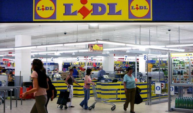 Lidl ist mit geschätzten 45 Milliarden Euro Umsatz die Nummer zwei am Markt, der Leumund ist zugleich nicht der Beste.