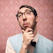 Damit die Brille durch Arbeit am Bildschirm nicht jedes Jahr dicker wird, helfen schon ein paar einfache Entspannungsübungen. Wie etwa die der Augenschule.