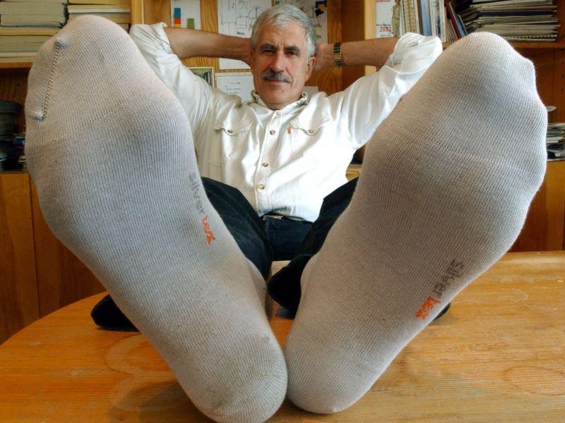 Член і носки