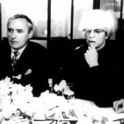 Doch auch in anderen Filmen hatte Hopper Erfolg, unter anderem in Basquiat, wo er Pop-Art-Künstler Andy Warhol mimt ...