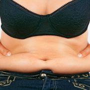 Hängebauch nach der Diät? So wird man ihn wieder los (Foto)