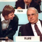 Einst galt Merkel als Kohls Mädchen.