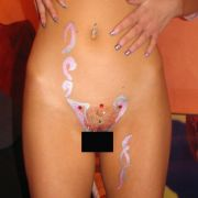 Intimfrisörin Katrin Agater ist bekannt fürs Verschnörkelte. Die meisten ihrer Schamhaarkreationen sind eher für eine Nacht.