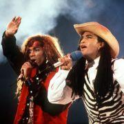 Mit den 80ern haben uns leider auch diese beiden Freaks verlassen - nur, weil 1990 rauskam, dass Fab und Rob zu Girl You Know It's True und ihren anderen Hits bloß die Lippen bewegten.