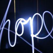 Hoffnung lässt sich auch per Licht ausdrücken.