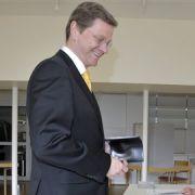 ... eine Überraschung hervor: Bundesaußenminister Guido Westerwelle kommt aus NRW, und stimmte inBonn ab.