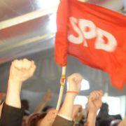Die Sozialdemokraten bejubeln das Ende der schwarz-gelben Koalition in NRW.