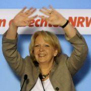 Hannelore Kraft, Spitzenkandidatin der NRW-SPD, erhebt nach der Abwahl der schwarz-gelben Regierung Anspruch aufs Ministerpräsidentenamt.