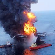 Gerade wollte der Konzern BP einen großen Ölfund bekanntgeben - doch da explodierte die Bohrplattform Deepwater Horizon im Golf von Mexiko. Elf Menschen starben.