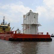 Große Hoffnungen auf einen dauerhaften Stopp des Ölflusses setzte BP in eine riesige Stahlglocke.