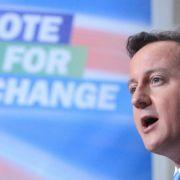 ... der im Wahlkampf auf Wandel gesetzt hatte, wird das Regieren durch die Koalition nicht einfacher. Der neue Premier hat eine rasante Karriere hinter sich. Er brauchte nur vier Jahre, um vom ersten Mandat auf denChefsessel der Tories zu wechseln.