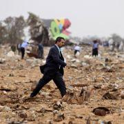 Der Nachrichtensender Al-Arabija berichtete unter Berufung auf die Luftfahrtbehörde in Tripolis, kurz vor der Landung sei ein technischer Defekt in der Maschine festgestellt worden.