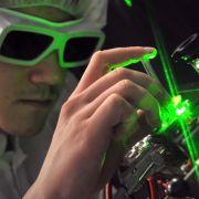 Moderne Laserkomponenten aus Jena finden ihre Anwendungen in der Industrie, Medizintechnik und Bildtechnologie, beim Militär sowie auch im Show- und Entertainmentbereich.