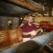 Jappadappadu, selbst der Steinzeit-Dienstwagen der Flintstones hat es in die Sammlung geschafft.