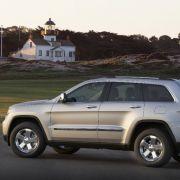 Die Basis stellt die M-Klasse von Mercedes, auf deren Bodengruppe der neue Jeep Grand Cherokee aufbaut.