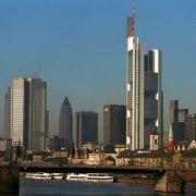 Auch in Deutschlands Bankenmetropole wohnt es sich nicht gerade günstig. Frankfurt ist hinsichtlich der Marktmiete die drittteuerste Stadt ...