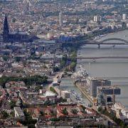 ...gefolgt von Köln an vierter ...