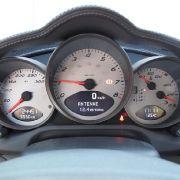 Damit zieht der sportliche Wagen auf ein Tempo jenseits von 275 Stundenkilometern an.
